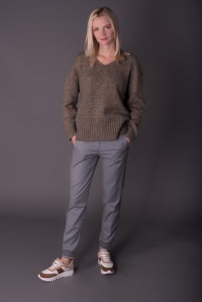 Sweter V-neck_Camel