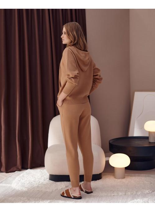 Swetrowe spodnie London Camel